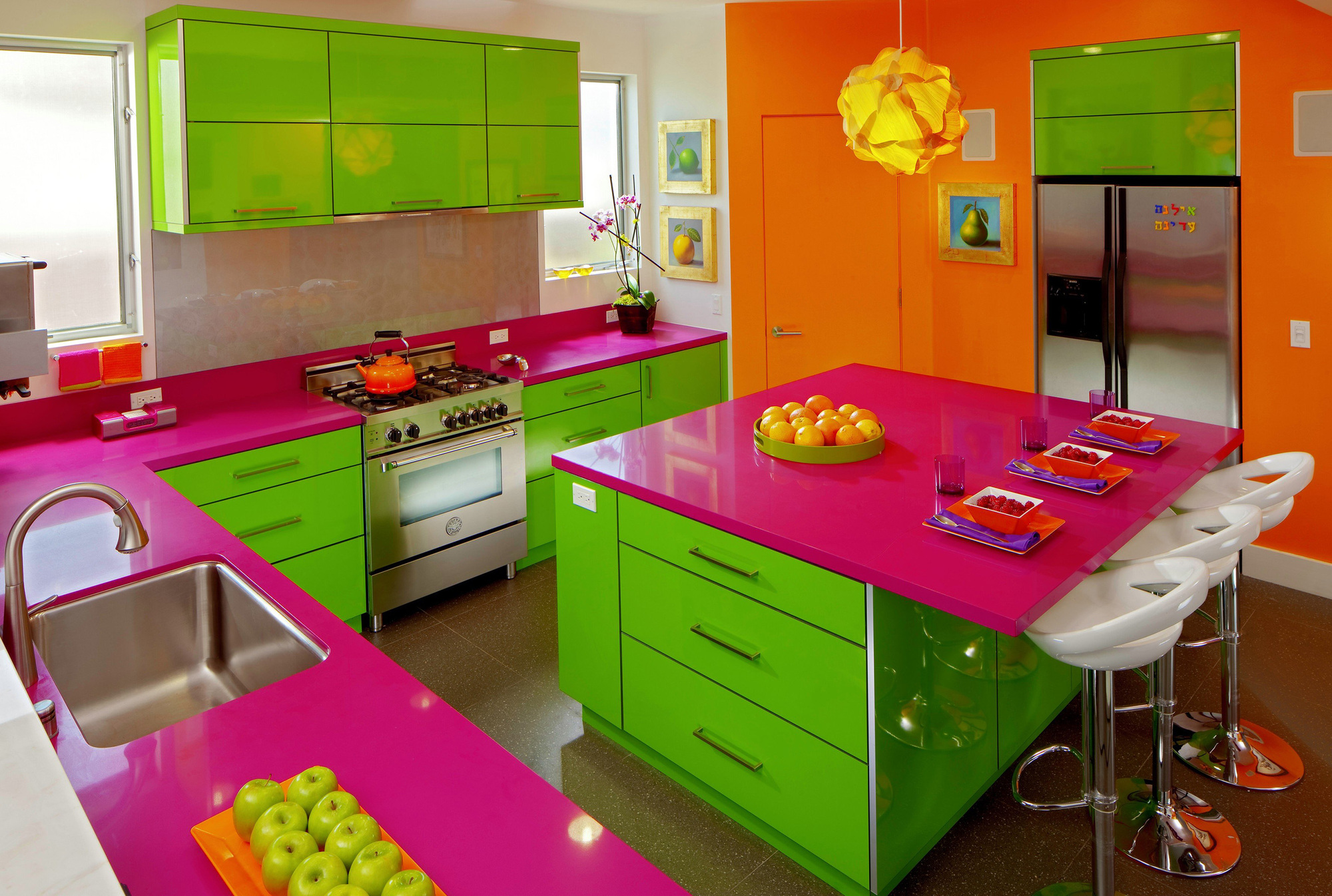 Kitchen Green Without Obnoxious Colored Paint Schemes